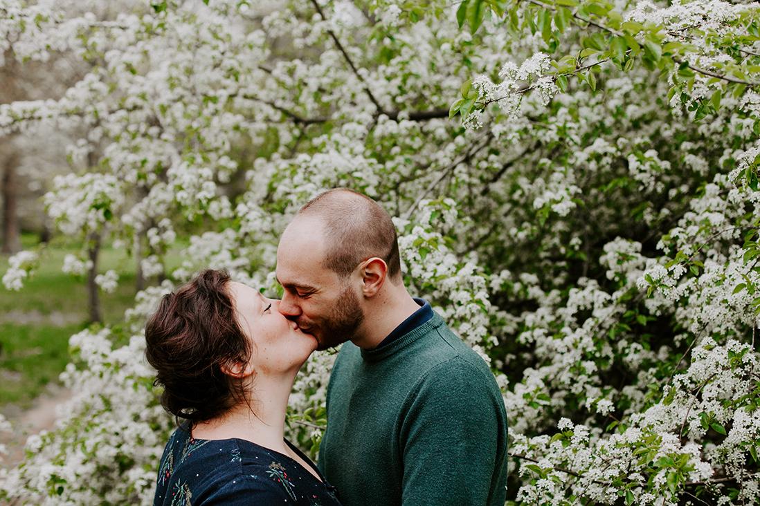 amour-couple-paris-marine blanchard photographie